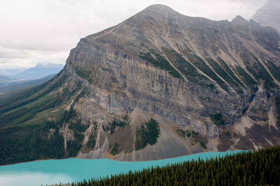 lake_louise_banff_national_park_002